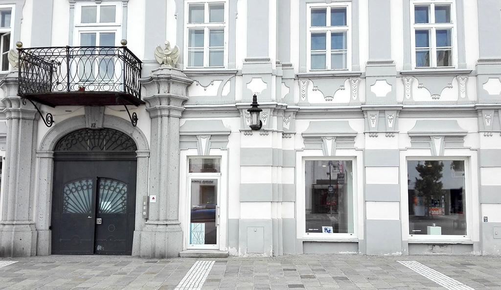 Kaiser-Josef-Platz 12